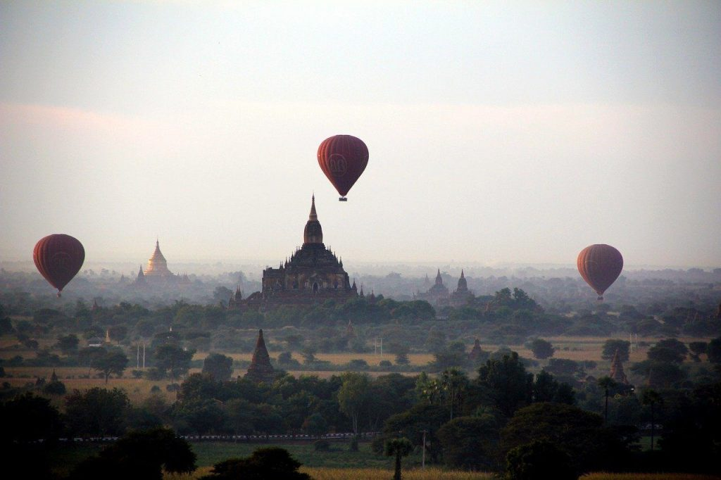 How to Fly over Bagan in a Hot Air Balloon (+Costs and Where to Book)